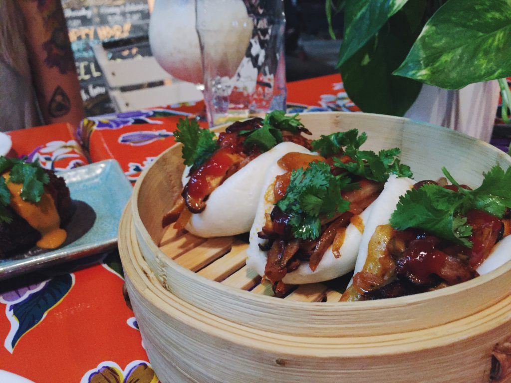 Bao buns with shiitake and jackfruit bbq
